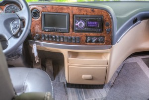 newmar wood grain dash